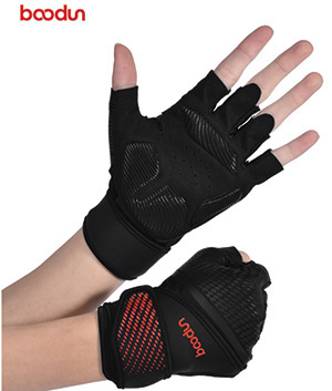 Do you know the materials and craftsmanship in the back of the hand of fitness gloves